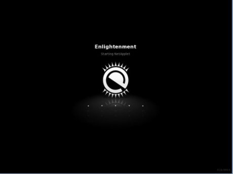 PCLinuxOS Enlightment Desktop Loading